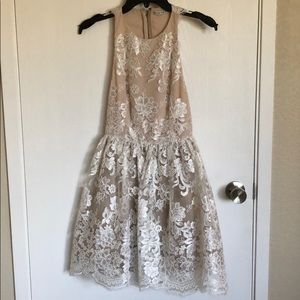 ALICE AND OLIVIA WHITE LACE DRESS